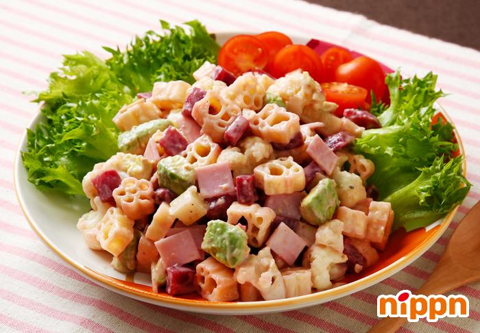 サラダ チョップド 野菜で満腹に!「クリスプ・サラダワークス 六本木店」のこだわり抜かれたチョップドサラダで健康を手に入れろ!